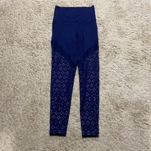 Aerie navy chill play move leggings EUC size XS